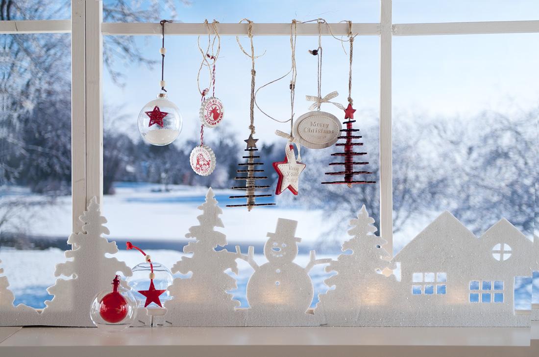 Del Natale.Sospesa Tra Fiaba E Realta Si Rinnova La Magia Del Natale