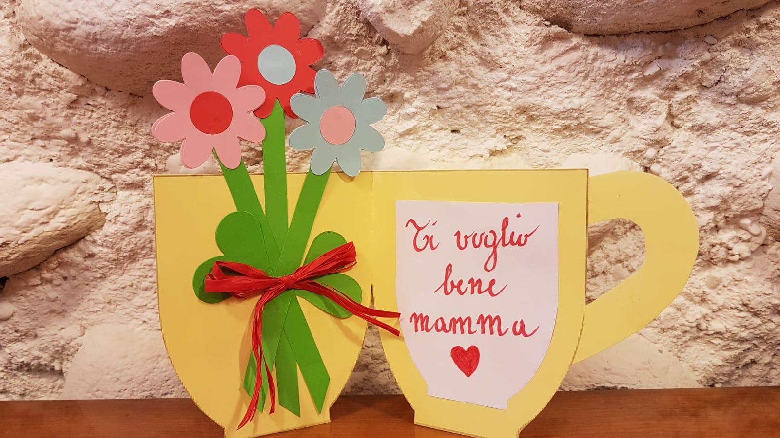 Dimmi tre parole: mamma, fiori, amore!