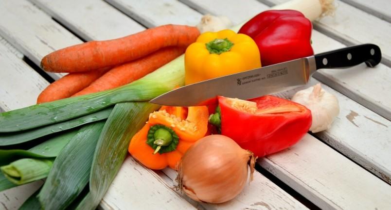 Dado casalingo di verdure