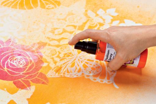 Colori spray per decorare il tessuto